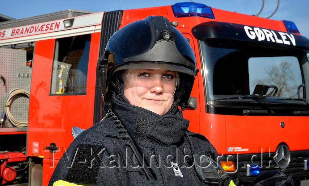Janni Jensen er den første kvindelige brandmand på brandstationen i Gørlev. Foto: Jens Nielsen