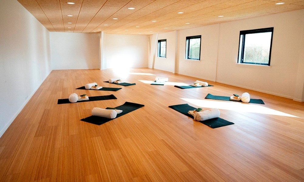 Yogasalen er 144 kvm. stor. Foto: Jens Nielsen
