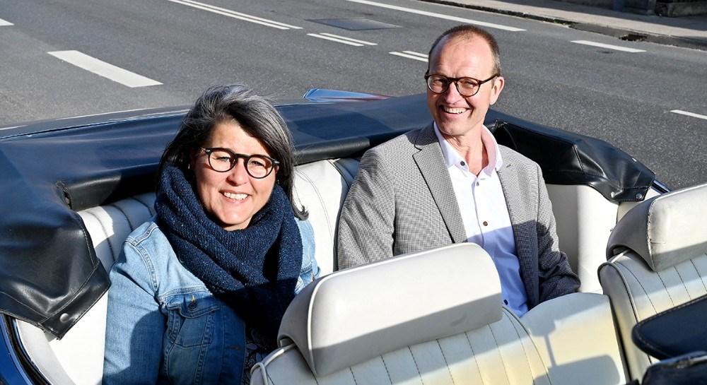 Betina og Michael Møller på bagsæddet Foto: Jens Nielsen