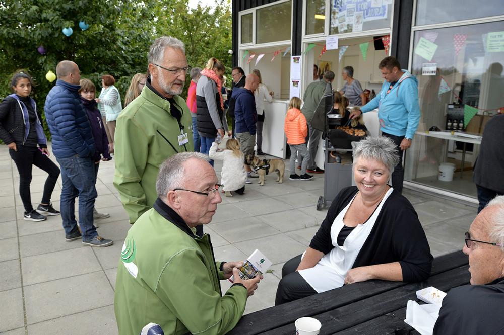 Stående Dan Bisp sammen med Elisabeth Lykke Christensen og Jan Østergaard. Foto Jens Nielsen
