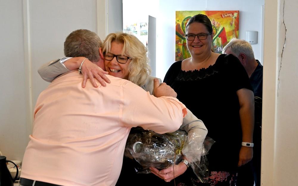 Stine Veisegaard fra Kalundborg Biblioteker ønskede tillykke. Foto: Jens Nielsen
