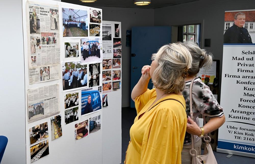 Udklip og billeder fra 20 år var lavet til en plancheudstilling. Foto: Jens Nielsen