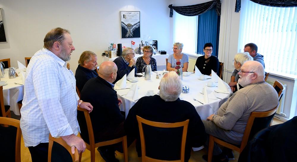 Bestyrelsen for Gørlev Boligselskab var samlet ved det ene bord. Foto: Jens Nielsen