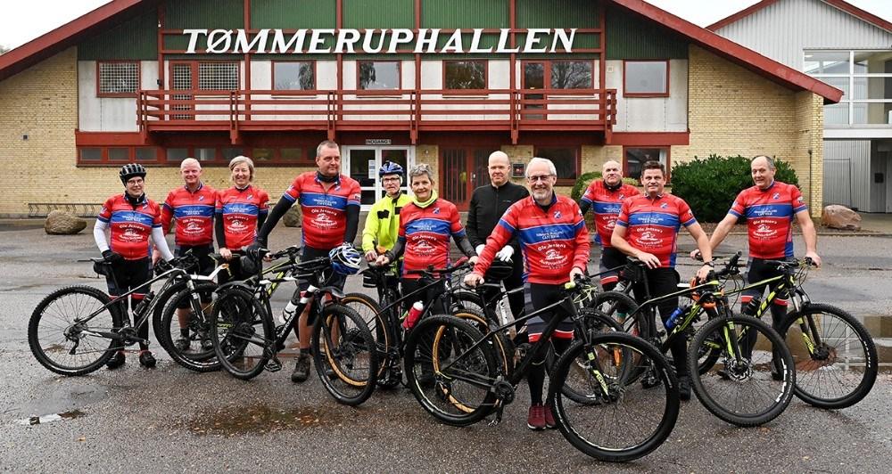 Deltagerne mødes ved Tømmeruphallen. Foto: Jens Nielsen
