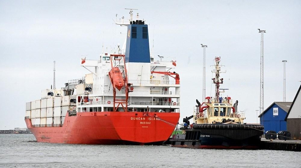 Smuglerskibet Duncan Island blev bugseret til Kalundborg Havn, hvor det blev ransaget i flere dage. Foto: Jens Nielsen