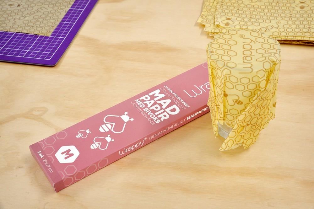 Wrappy formes nent rundt om en skål, et glas eller om selve madvaren fx en ost. Foto: Jens Nielsen