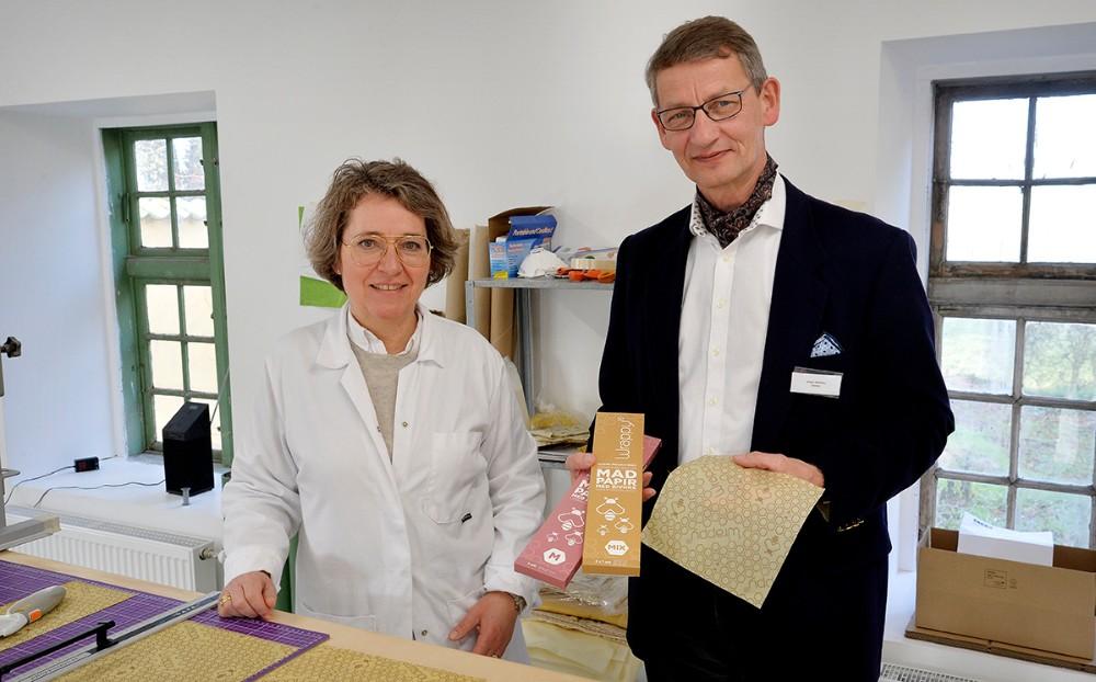 Anne Prahl og Jørgen Richelieu i produktionslokalerne på Smakkerupgården. Foto: Jens Nielsen