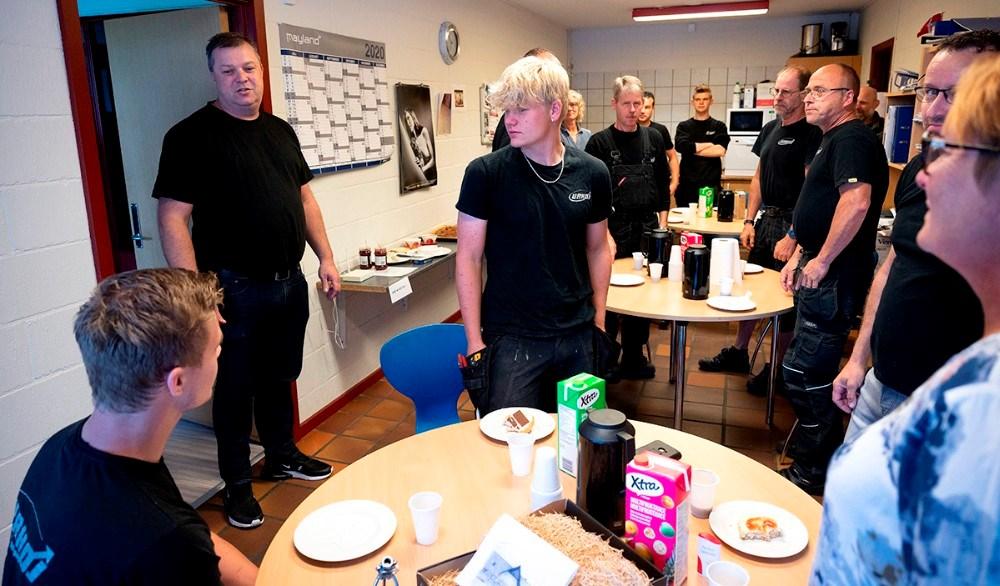 Kollegerne råbte hurra.  Foto: Jens Nielsen