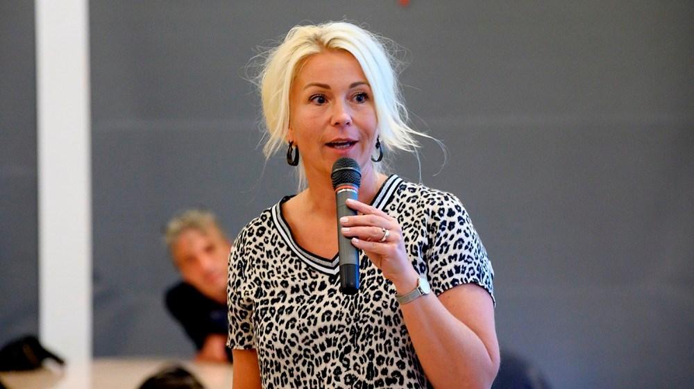 Malene Grandjean, kommunalbestyrelsesmedlem og gymnasiedirektør på EUC Nordvestsjælland fortalte om ungdomsuddannelser. Foto: Jens Nielsen