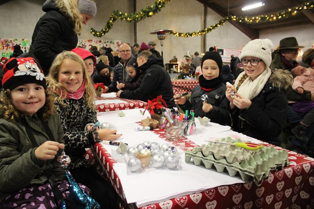Aktiviteter for børnene i juleladen. Privatfoto