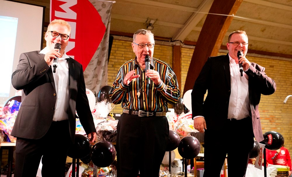 Banko Carl, her sammen med Butterflies, som står for underholdningen. Arkivfoto: Jens Nielsen