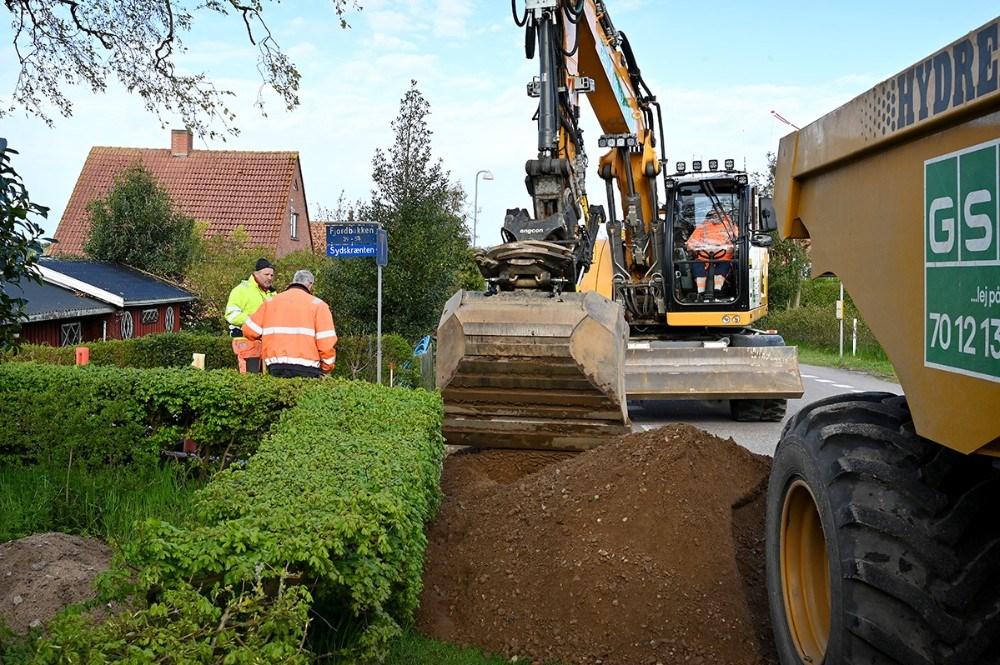 Entreprenøren arbejder lige nu i Ulstrup. Foto: Jens Nielsen