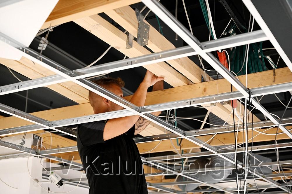 Håndværkerne er godt i gang. Foto: Jens Nielsen