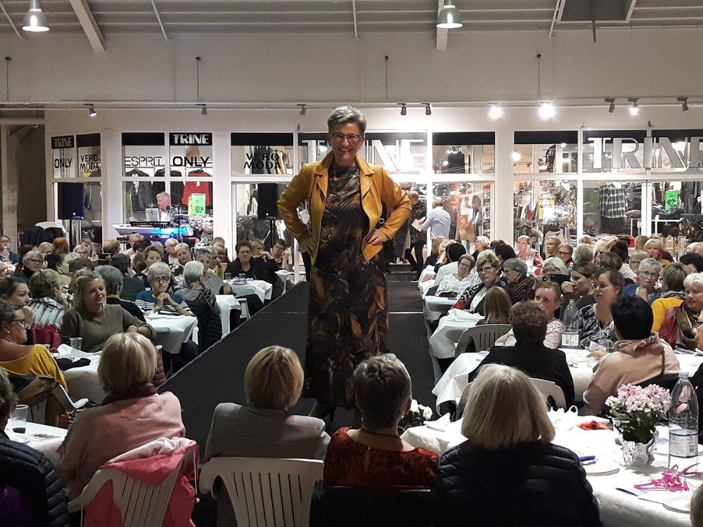 Modeshow i Høng Centret onsdag aften. Privatfoto