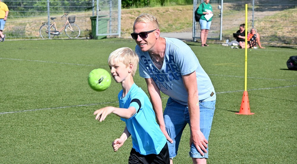 Kasper Nielsen, forældrerepræsentant, her med sønnen Julian. Foto: Jens Nielsen