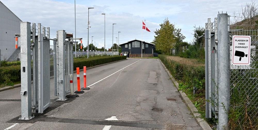 Flaget var hejst på Genbrugspladsen i Kalundborg fredag. Foto: Jens Nielsen