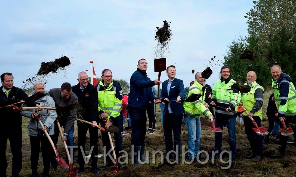 Gruppen af partnerskaber fra Kalundborg, deltog også da 1. etape af Kalundborgmotorvejen blev indviet i september 2017. Arkivfoto: Gitte Korsgaard