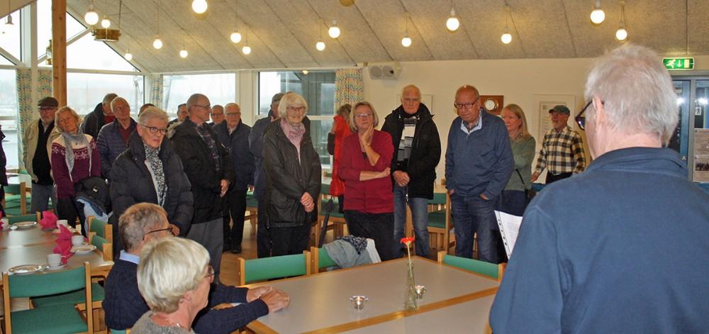 Medlemmerne var samlet i klubhset tilgløgg og æbleskiver. Foto: Christian Winnem