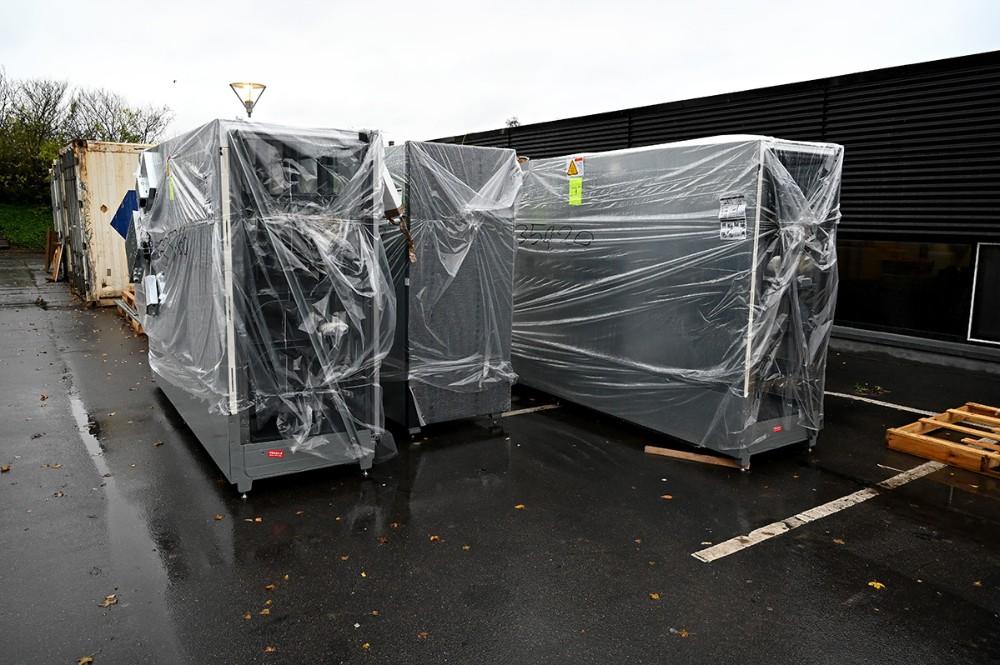 De nye frysemøbler klar til at blive kørt ind. Foto: Jens Nielsen