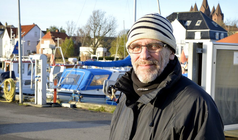 Sven Aage Hansen, naturmand og ivrig observatør af alt hvad der sker i naturen i Kalundborg. Foto: Jens Nielsen