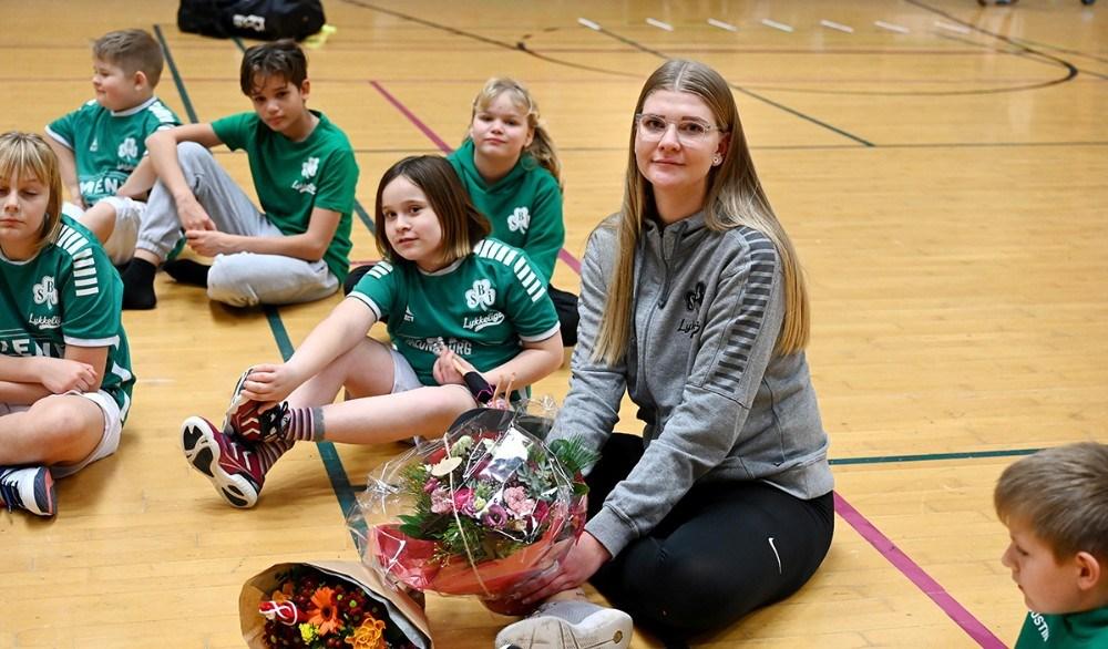 Katrine Koustrup Ludvig Olsen sammen med hendes Lykkeliga børn. Foto: Jens Nielsen