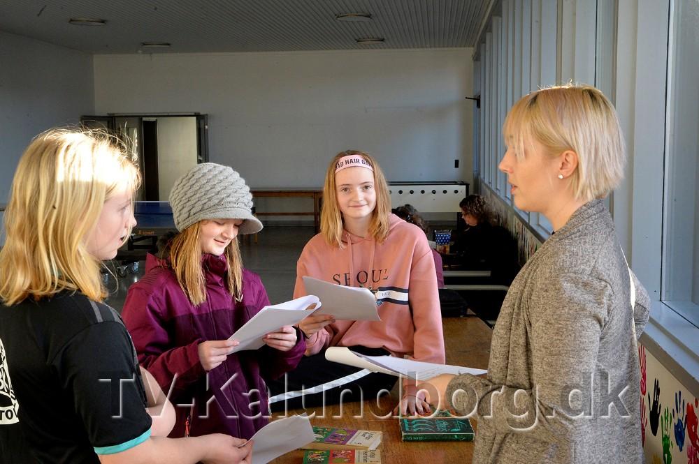 Læseprøve på gangene. Foto: Jens Nielsen
