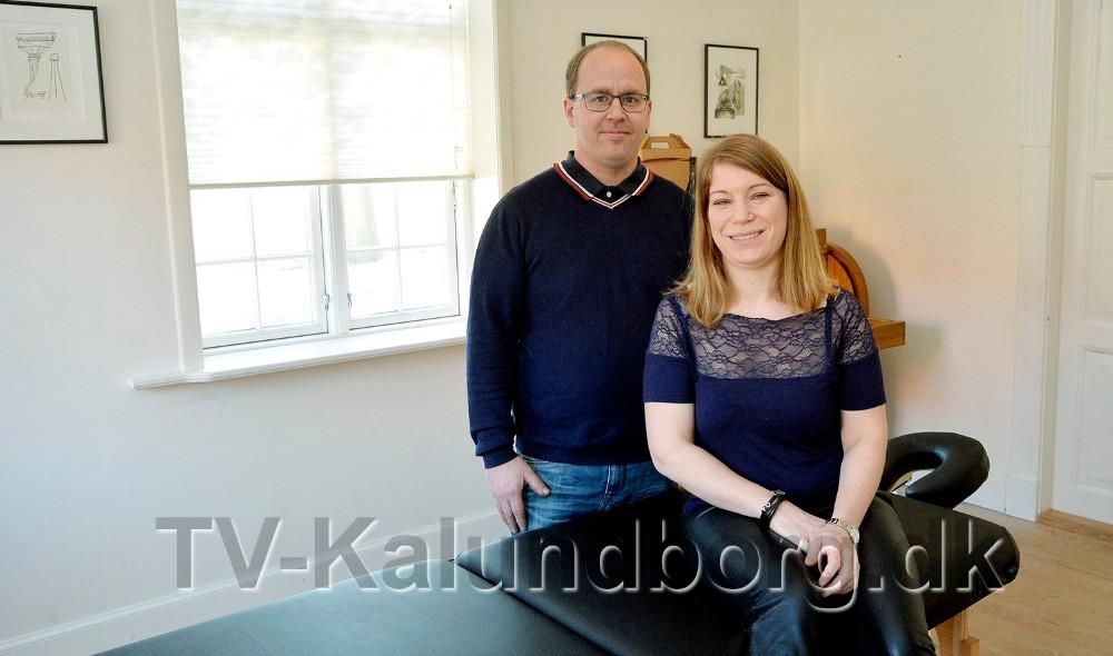 Ægteparret Katrine og Claus Birkemos Olsen er rykket ind på Dyrehøj Vingård på Røsnæs, med deres helt nye firma By Birkemos. Foto: Jens Nielsen