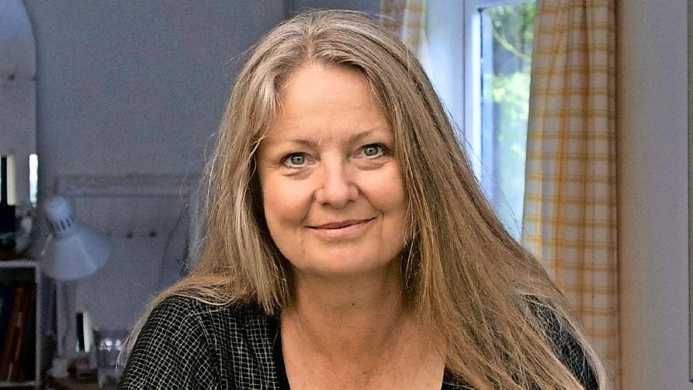 Ubby Bibliotek- og Forsamlingshus har inviteret Pia Fris Laneth til at komme og holde foredrag om 'Emma Gad – Takt og tone i 100 år' tirsdag den 26. marts.