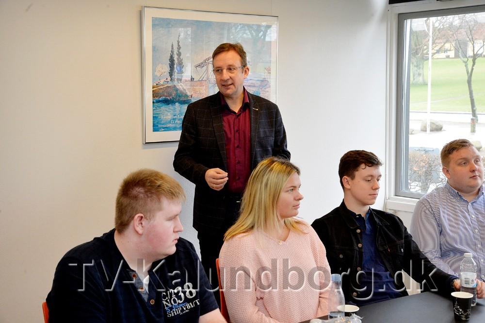 Peter Westergaard fra BDO Kalundborg var forbi Allikelund Gymnasium for at fortælle om mulighederne som trainee. Foto: Jens Nielsen