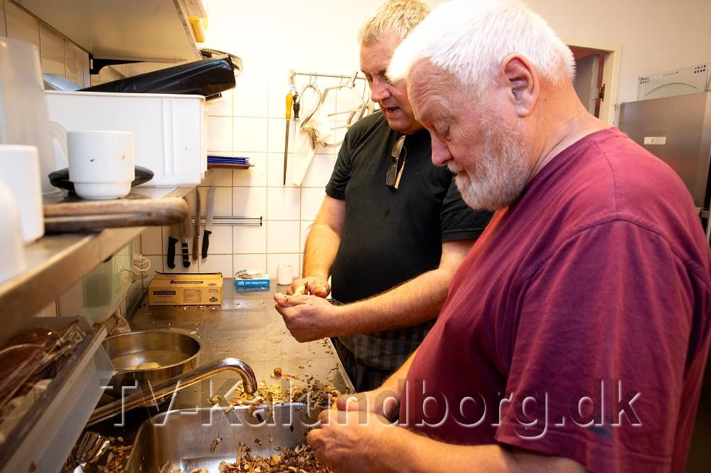 Formand for Medborgerhusets støtteforening Kaj Buch Jensen og Søren Johansen, teamleder i misbrug og socialpsykatri. Foto: Jens Nielsen