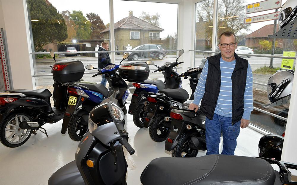 Rene Jensen er klar i sin nye forretning efter flytning. Foto: Jens Nielsen