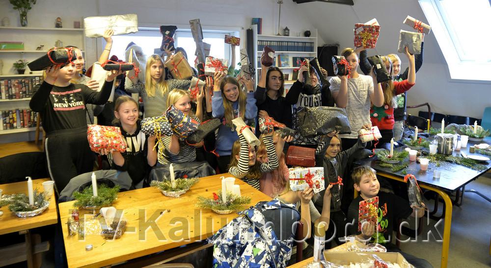 Eleverne har sanlet rigtigt mange gaver sammen. Foto: Jens Nielsen
