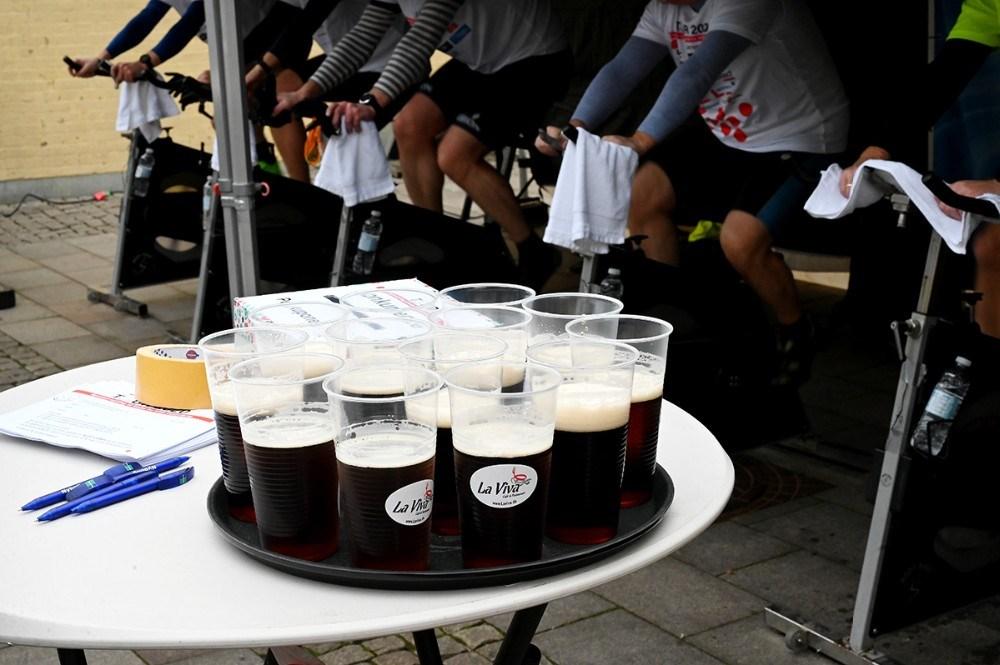 Der var koldt øl fra La Viva til rytterne. Foto: Jens Nielsen