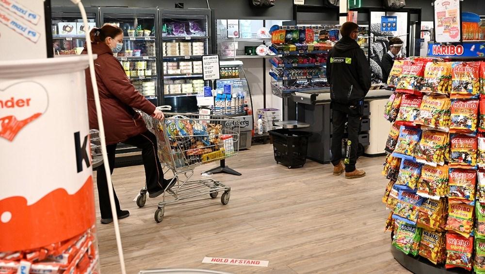God afstand mellem kunderne, her hos Meny Kalundborg. Foto: Jens Nielsen