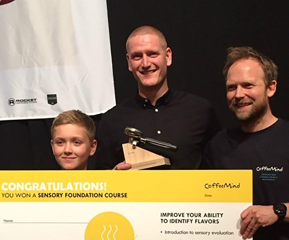 Kian Hickman (i midten) blev nr. 2 ved DM i Barista 2019.