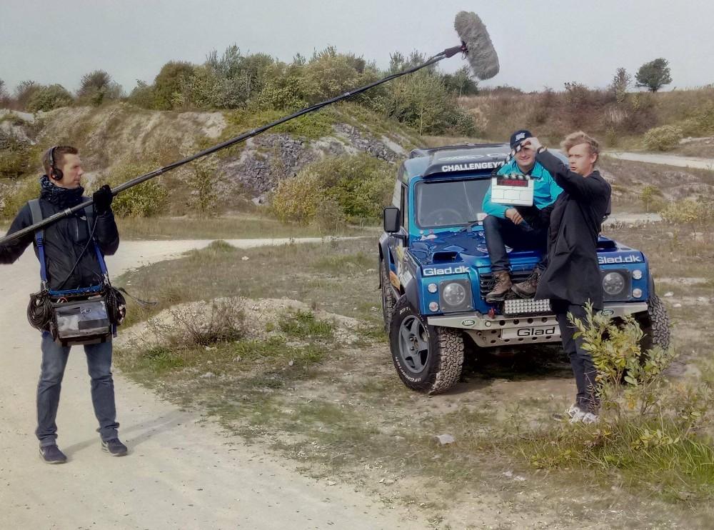 Jacob Glad er sammen med sinBowler Wildcat, med i DR1 programmet Versus lørdag aften. Privatfoto