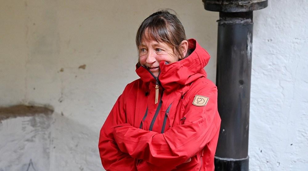 Det er Dorthe Pedersen, der er uddannet naturvejleder og socialpædagog, som underviser på holdene. Foto: Jens Nielsen