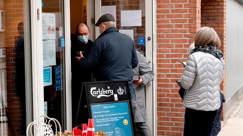 Alle skulle fremvise coronapas inden de kunne komme i biografen. Foto: Jens Nielsen