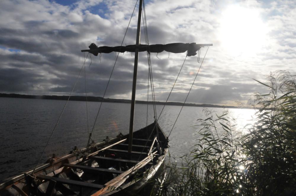 Vikingeskibet »Frigg« i søen. Foto: Claus Sørensen
