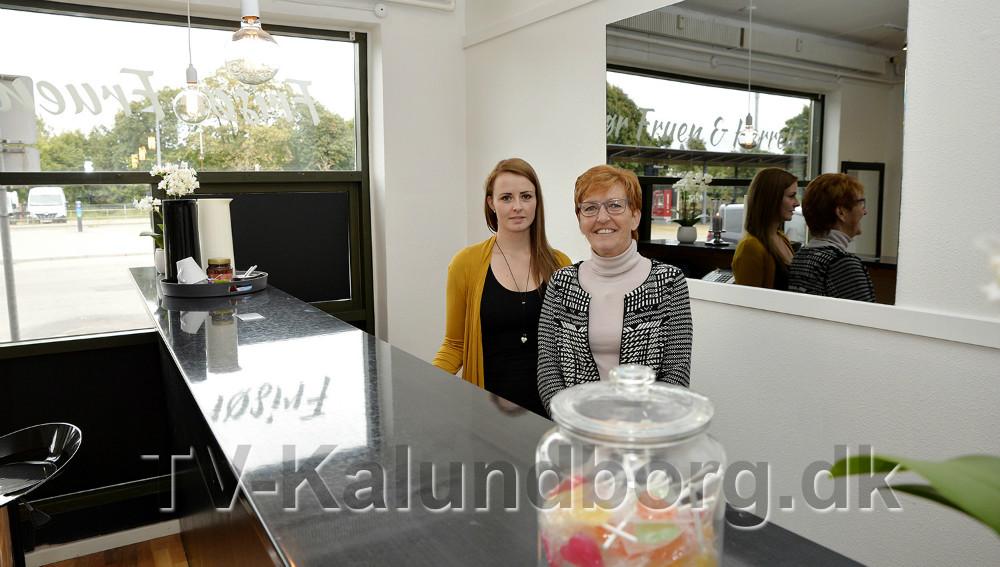 Tanja Andersen og Annemette Hansen har sammen åbnet frisørsalon i Svebølle. Foto: Jens Nielsen