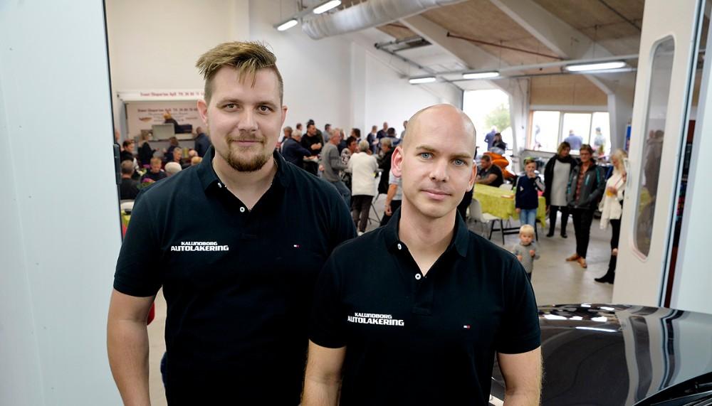 Emil Olsen ogMorten Sonne Faigh, indehavere af Kalundborg Autolakering. Foto: Jens Nielsen