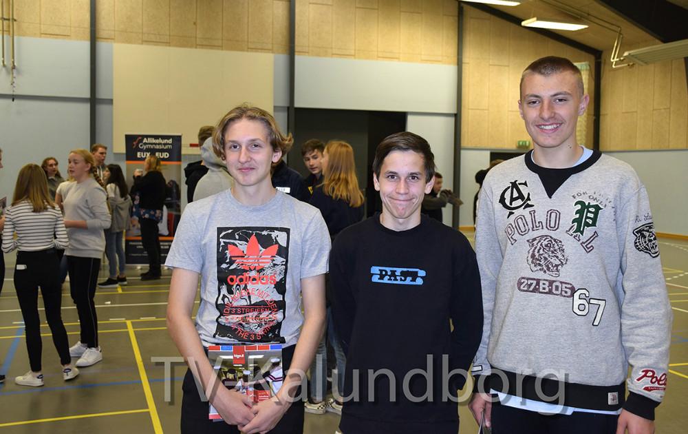 Adam Badr, 8.kl. Rynkevangskolen (tv),Thomas Jørgensen ogMathias Hansen, begge 9.kl. Rynkevangskolen er på Tour de Uddannelse i dag. Foto: Gitte Korsgaard.