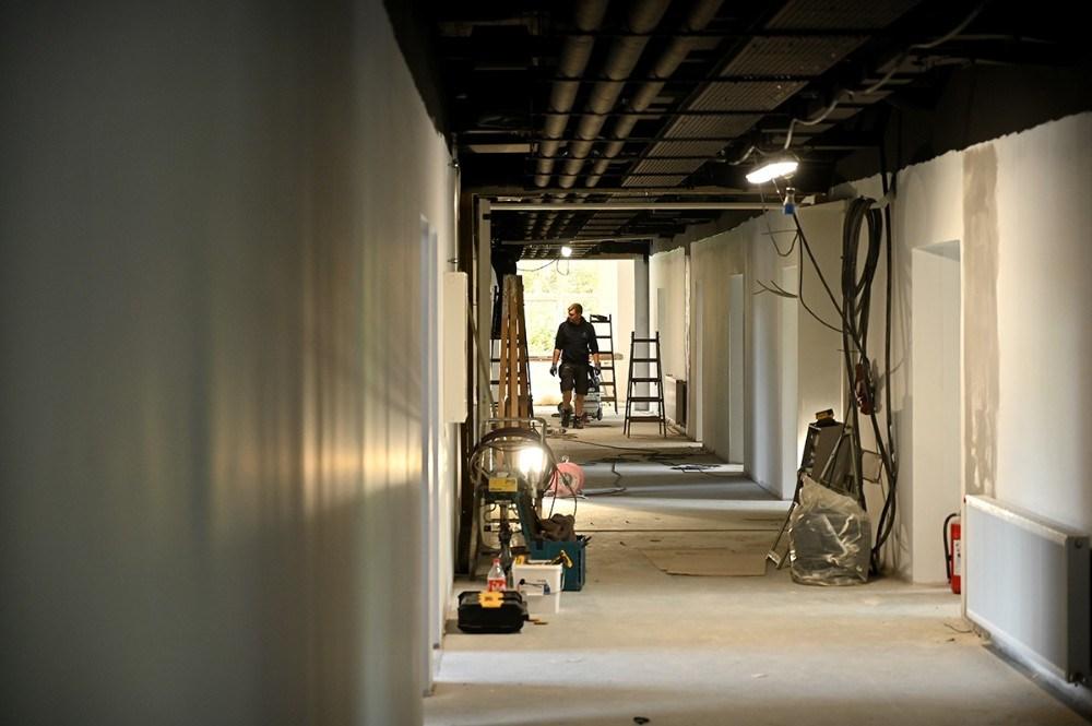 Håndværkerne er stadig godt i gang. Foto: Jens Nielsen