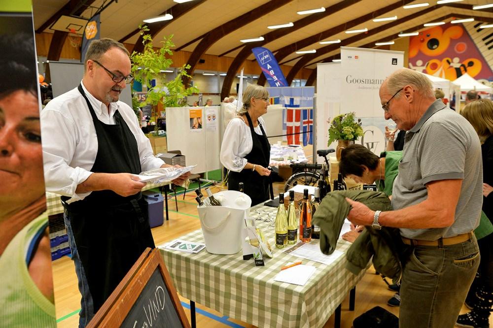 Smagsprøver hos Goosmann Vin. Foto Jens Nielsen
