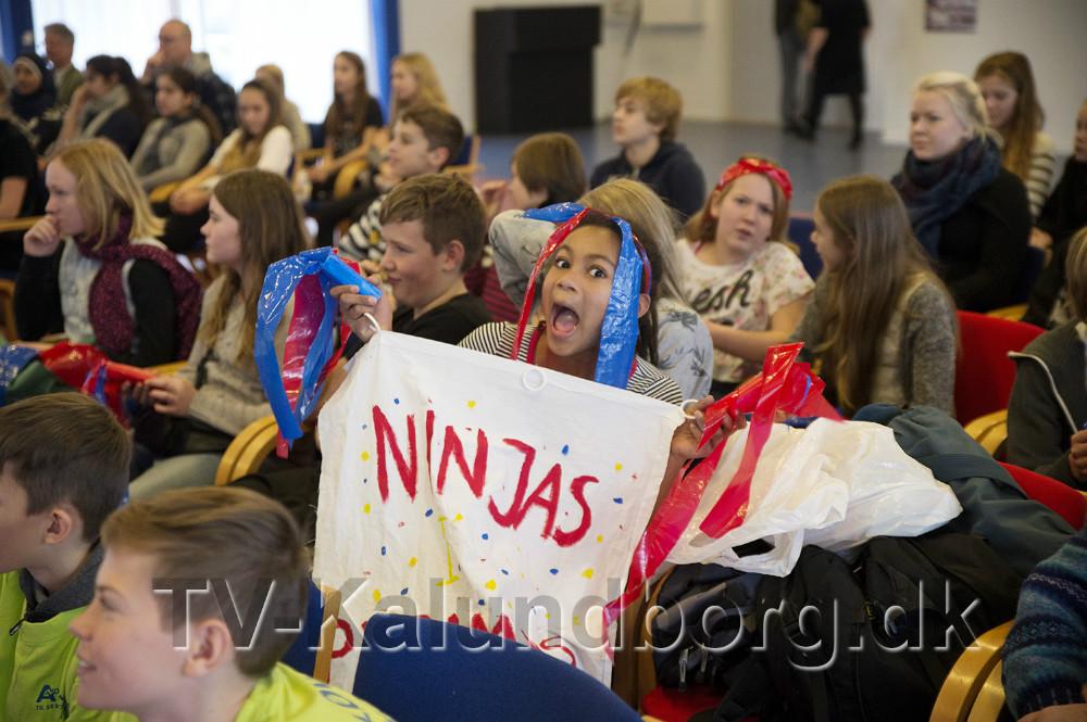 Opbakning fra klassekammeraterne. Foto: Jens Nielsen
