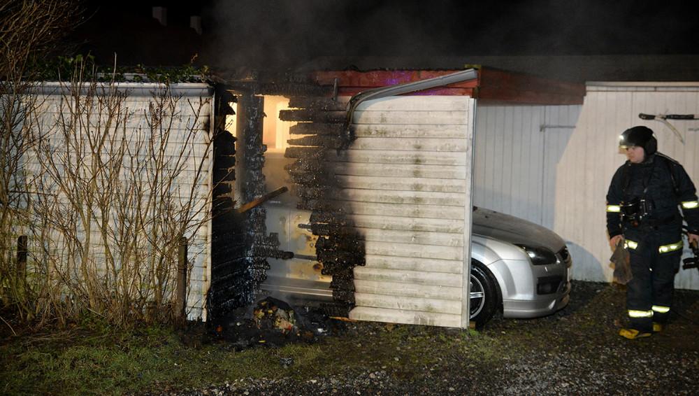 Brandfolkene fik hurtigt bugt med flammerne. Foto: Jens Nielsen