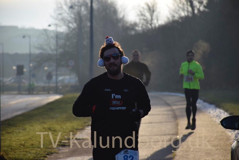 Nogle deltagere til vintermaraton havde pyntet sig mere end andre. Foto: Gitte Korsgaard