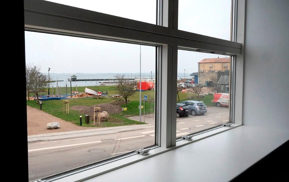 Der er et flot kik til havneparken fra den øverste lejlighed. Foto: Jens Nielsen