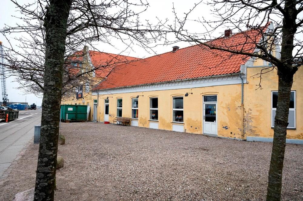 Michael Rasmussen er i dialog med Kalundborg Kommune om at købe det jord som ligger foran Multihuset. Foto: Jens Nielsen