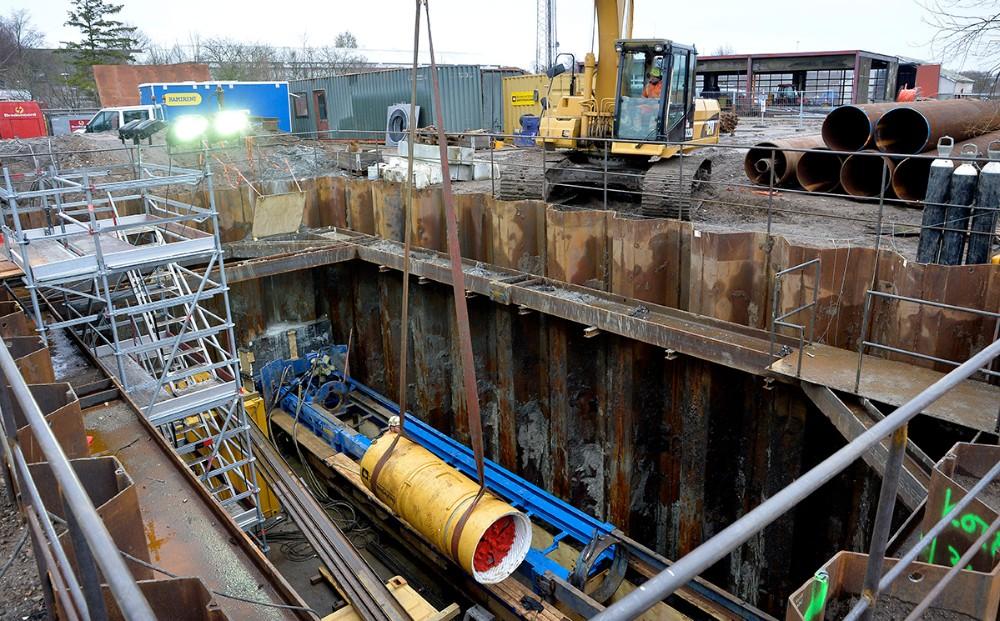 Det store hul er hele 6,5 meter dybt. Foto: Jens Nielsen